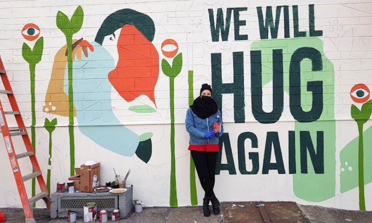"""""""Nos abrazaremos de nuevo"""", la llama del street art no se extingue en N. York"""