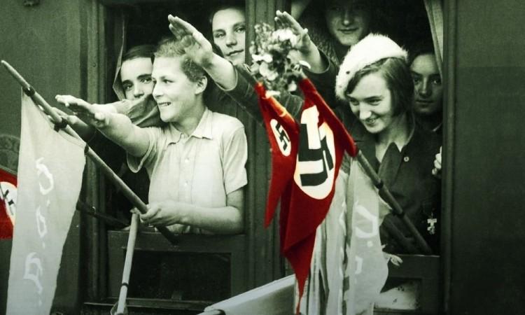 """""""Las arpías de Hitler"""" finalista del National Book Award y se ha traducido a veintitrés idiomas"""