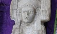 Descubren en Veracruz figura femenina prehispánica de dos metros de alto