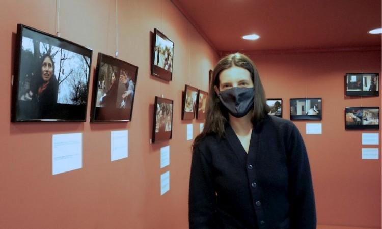 Exposición homenajea en Tokio a las migrantes hispanas en el Día de la Mujer