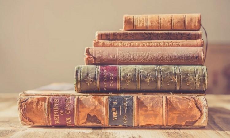 Subastaran joyas de la literatura británica en julio
