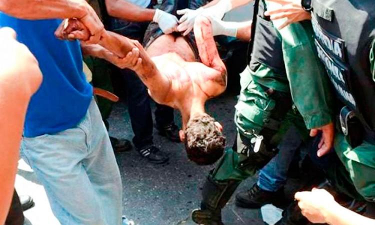 Mueren cerca de 60 por motín en cárcel de Brasil