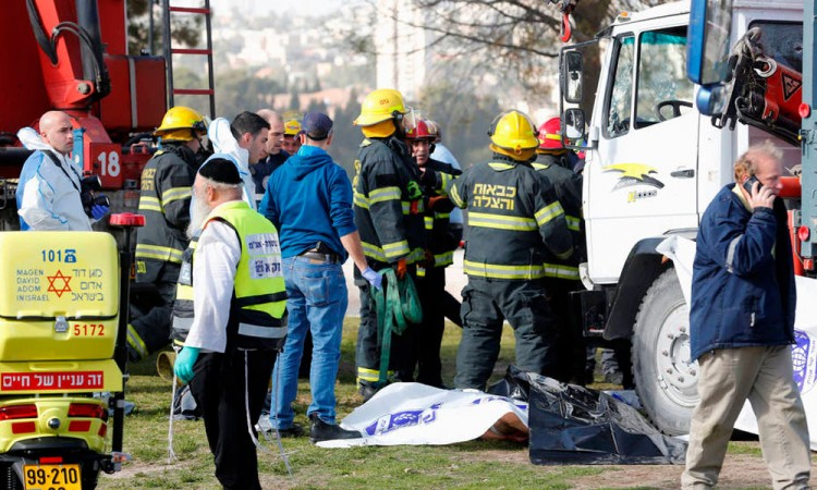 Mueren cuatro por ataque terrorista en Jerusalén