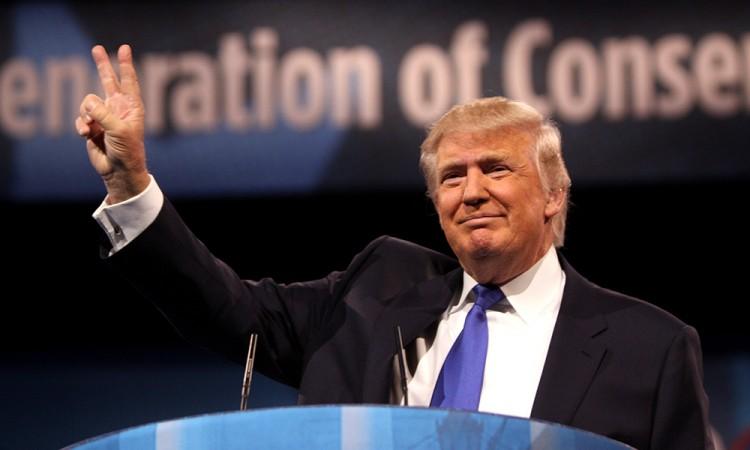 Busca Trump impuesto a productos mexicanos para pagar el muro