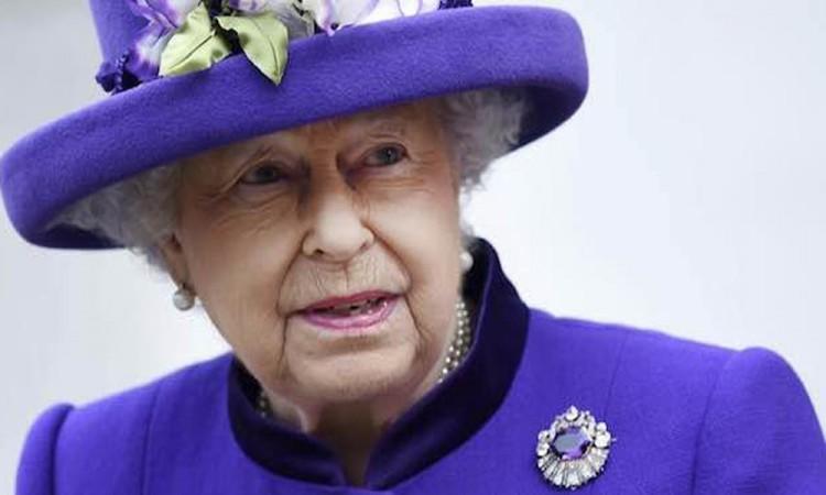 Celebra Isabel II 65 años en el trono