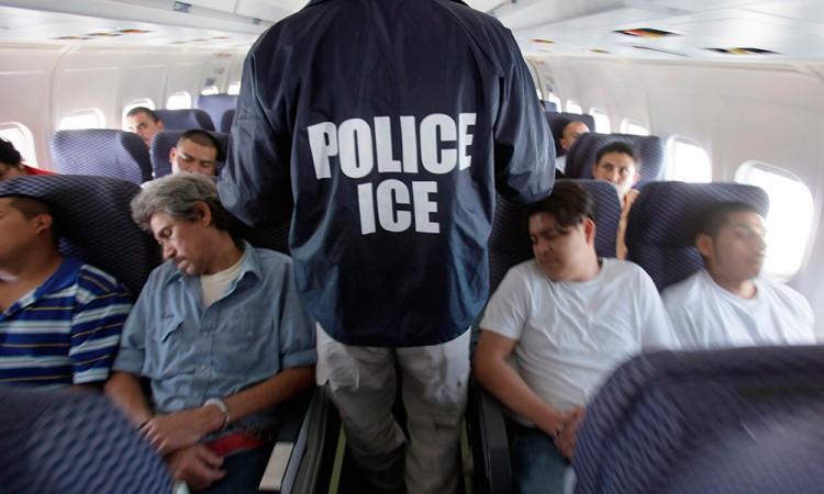 """Crece lista de """"deportables"""" en EU a 8 millones de personas"""