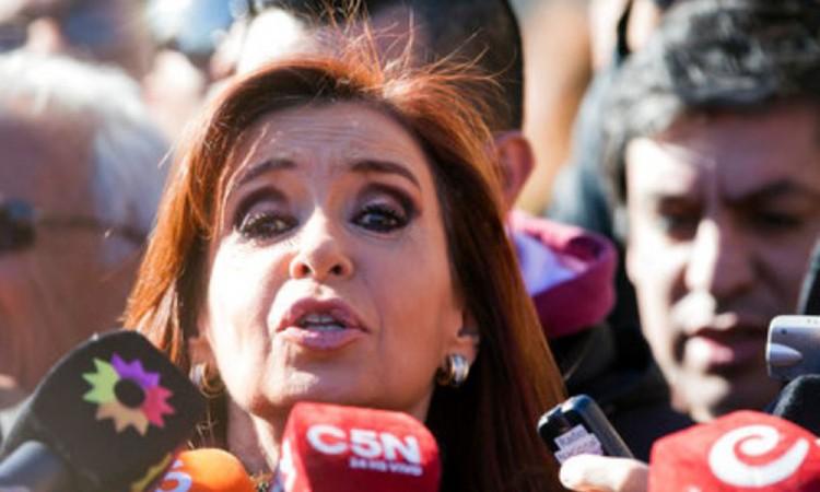 Procesan a Cristina Fernández e hijos por corrupción