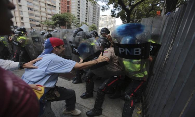 Marcha oposición venezolana contra gobierno de Maduro