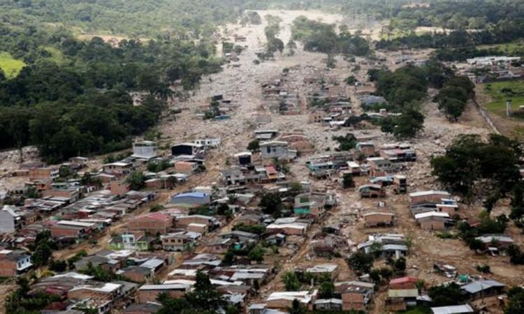 Suben a 306 las víctimas por alud en el sur de Colombia