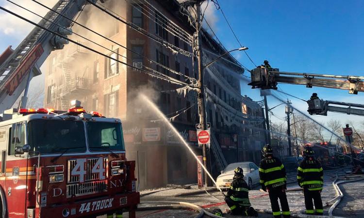 Incendio deja más de 16 heridos en el Bronx