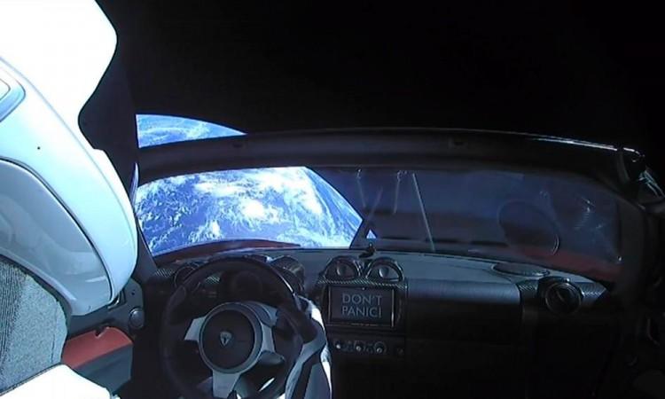 Inicia la carrera espacial a Marte; SpaceX lanza Falcon Heavy