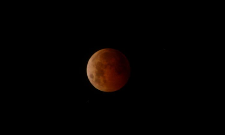 ¿A qué hora y dónde ver el eclipse lunar del 20 de enero?