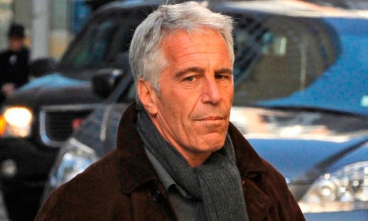 Hallan muerto en su celda aEpstein, magnate acusado de tráfico sexual