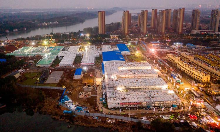 China construye hospital de mil camas en 10 días