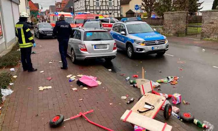 30 heridos deja accidente en carnaval de Alemania