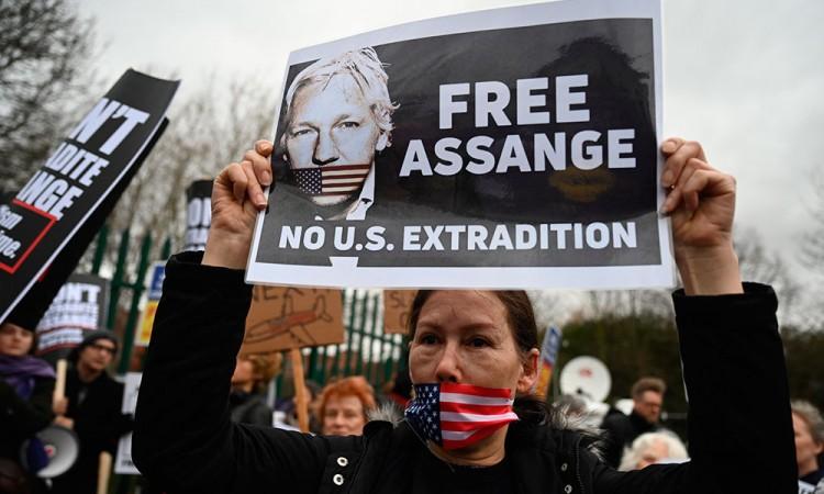 Rechaza Assange su extradición