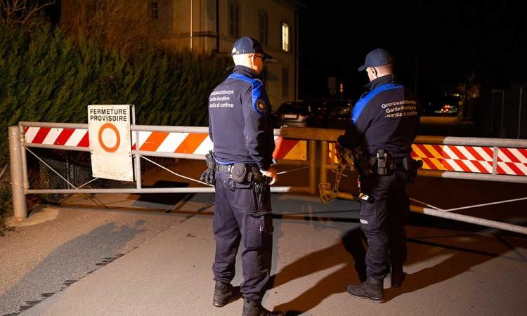 Francia aplica multas por desacato ante pandemia