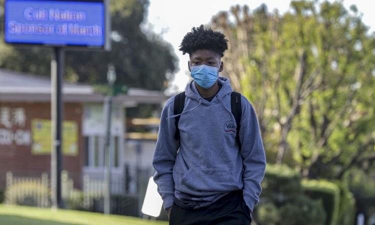 Gobierno de California, EU, establece toque de queda por contingencia