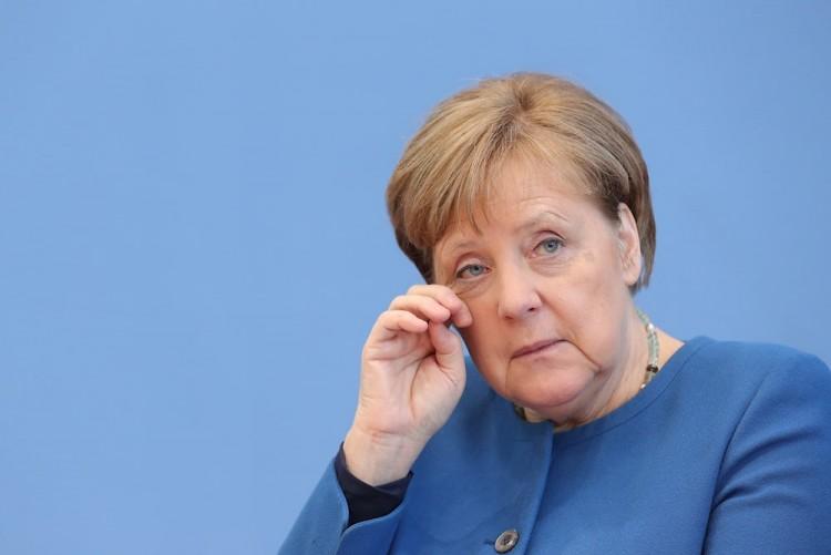 Merkel, en cuarentena tras contacto con médico que dio positivo en Covid-19
