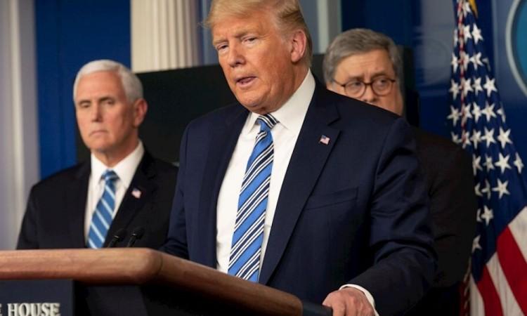 """Trump considera """"rebajar"""" las medidas ante la pandemia"""