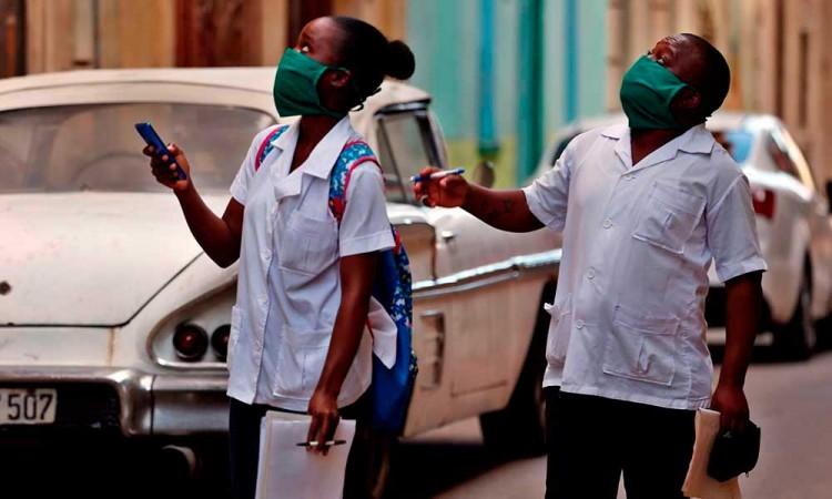 México valora pedir ayuda médica a Cuba