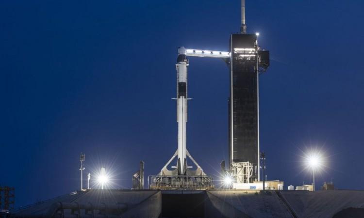 SpaceX: se cancela el primer viaje al espacio de una empresa privada