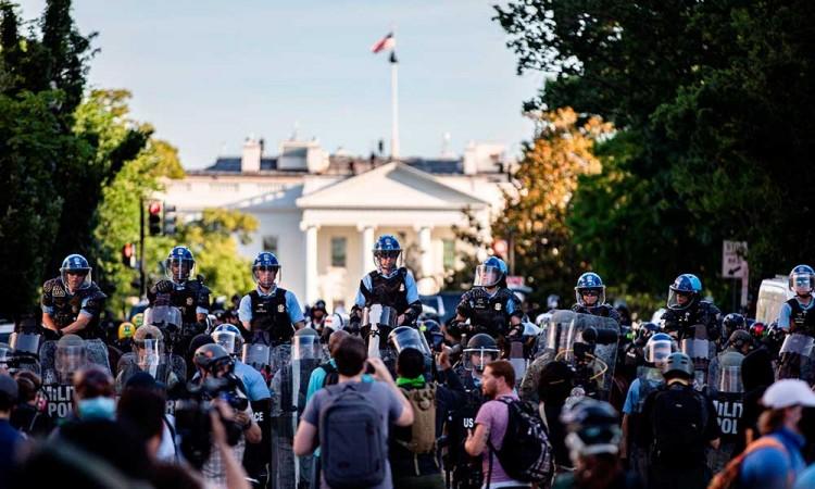 Trump moviliza militares para frenar disturbios Estados Unidos