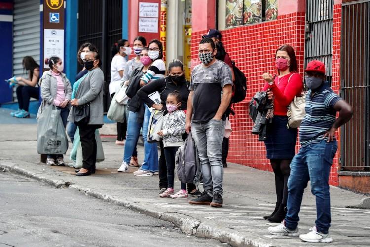 Brasil restringe los datos de COVID-19 en plena pandemia y levanta críticas