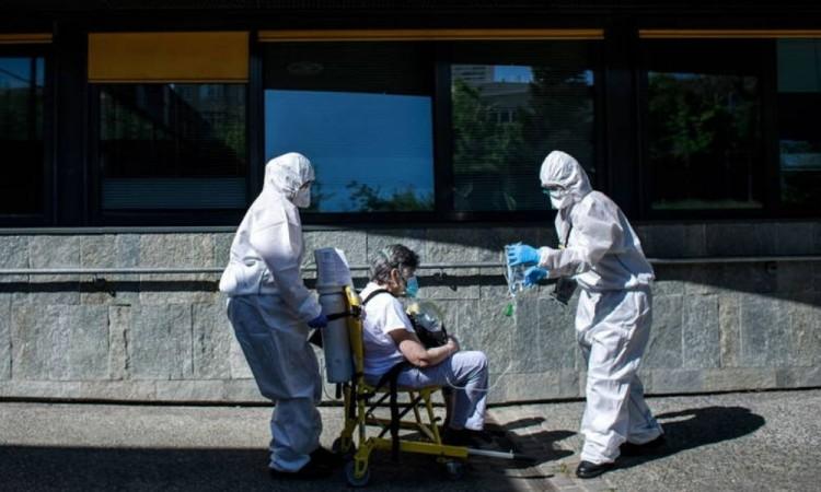 Francia registra 54 muertes en un día por Covid-19