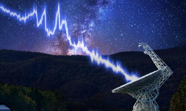 Detectan misteriosa onda de radio del espacio que se repite cada 157 días