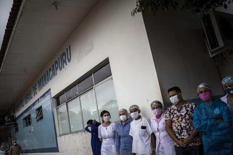 Brasil sobrepasa las 43 mil 300 muertes por Covid-19