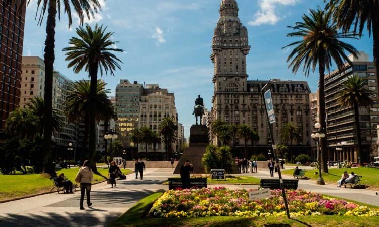 En Centroamérica y Uruguay sí aplanan la curva del Covid