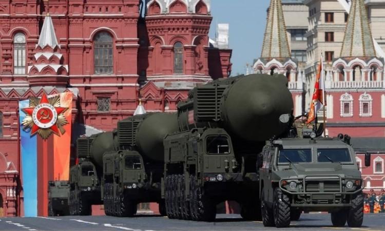 Rusia propondrá a EU cooperación para controlar armas nucleares