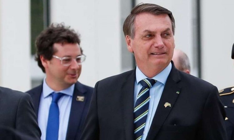 El Presidente de Brasil, Jair Bolsonaro, da positivo a prueba de Covid-19