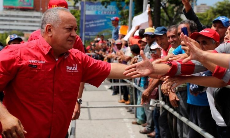 Diosdado Cabello, funcionario de Venezuela y mano derecha de Maduro, tiene Covid