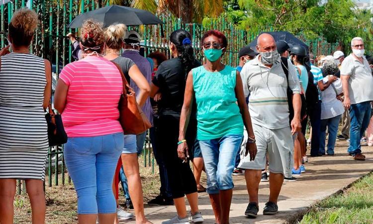 Cuba celebra su primer día sin contagios de Covid-19