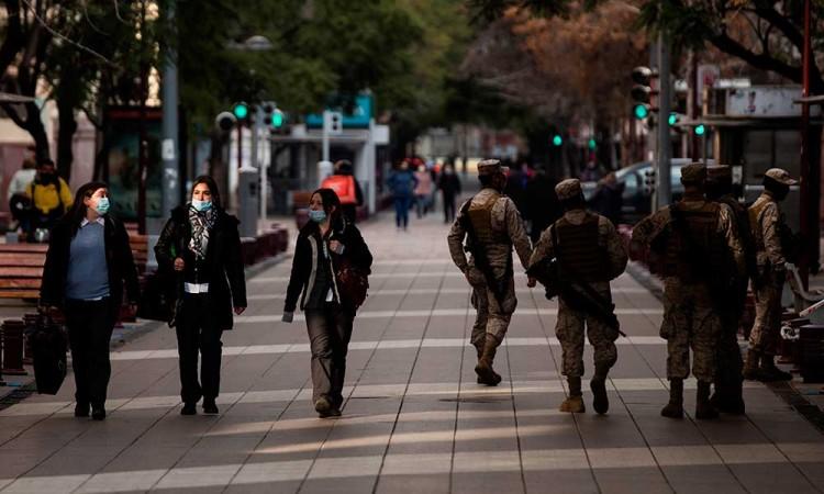 Chile sigue con 'resultados positivos' para reducir casos de Covid-19