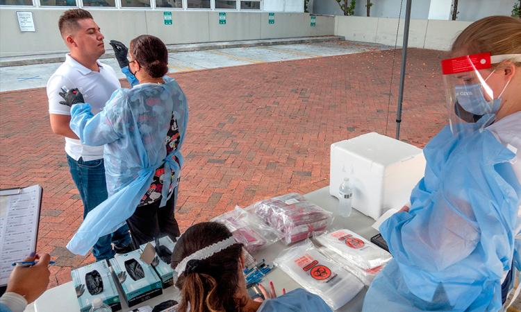 Realizan pruebas de COVID-19 a inmigrantes mexicanos en Miami