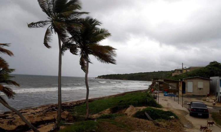 La tormenta Laura deja lluvias en Puerto Rico y Marco crece entre Cuba y México