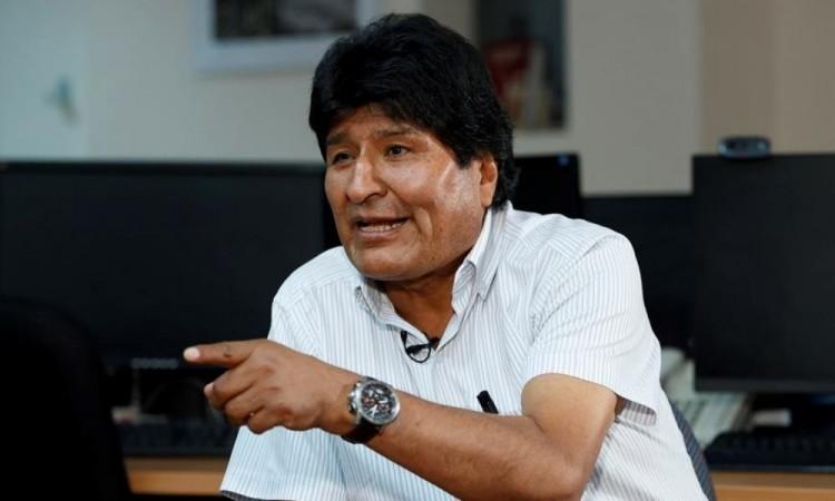 Los voceros del MAS advirtieron de que las acusaciones buscan desprestigiar a Morales.