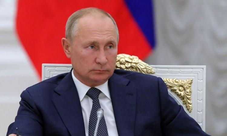 Vladimir Putin pide un cese al fuego lo antes posible en Nagorno Karabaj