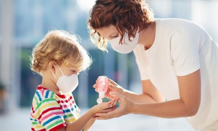 Hacer pruebas permite diagnosticar, supervisar y obtener historial genético del virus.