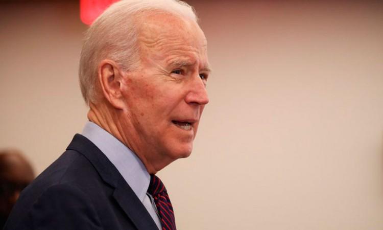 Limita Facebook y Twitter una historia turbia de Biden
