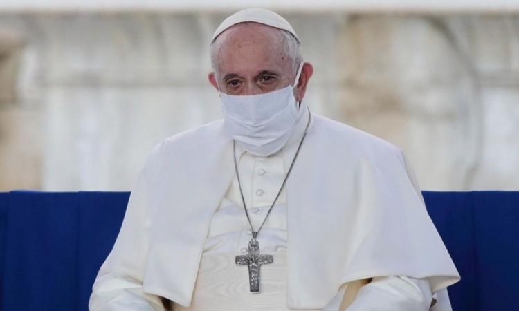 """Pide el papa El papa Francisco """"paciencia y solidaridad"""" a quienes se quejan de las medidas restrictivas por la pandemia"""