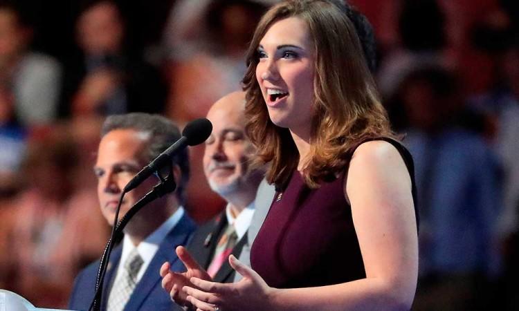 Ella es Sarah McBride, primera mujer trans en llegar al Senado de EU