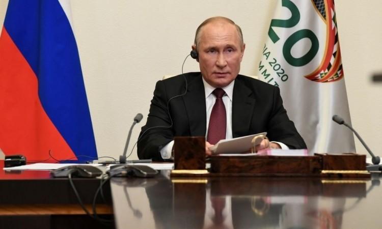 Putin no felicitará al ganador en EU hasta que den los resultados oficiales del ganador