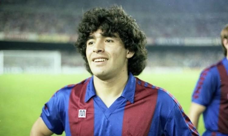 Muere Maradona, uno de los más grandes en la historia del futbol