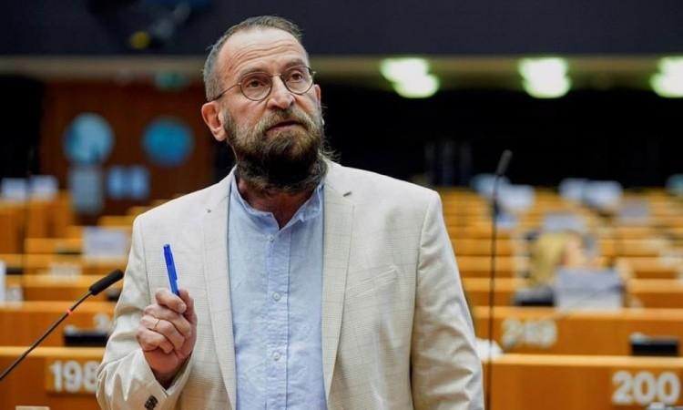 József Szájer fue uno de los redactores de la Constitución húngara de 2011.