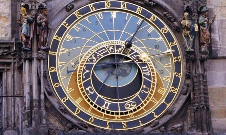 Mariana Nesnídalová es la guardiana del reloj más famoso del mundo, el Astronómico de Praga