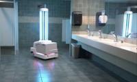 Qué elegancia la de … ¿Estados Unidos? Aeropuerto estrena robot antiCovid